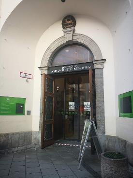 観光地のど真ん中ちょっと変わった「ミュンヘン狩猟漁猟博物館」に行っ ...